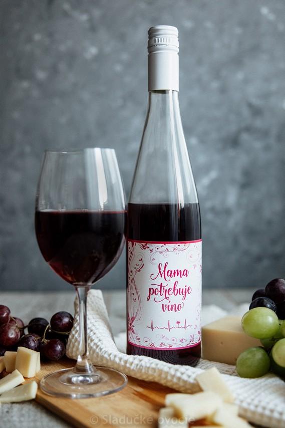 Víno z čiernych ríbezlí - ovocné polosladké 0.75 l